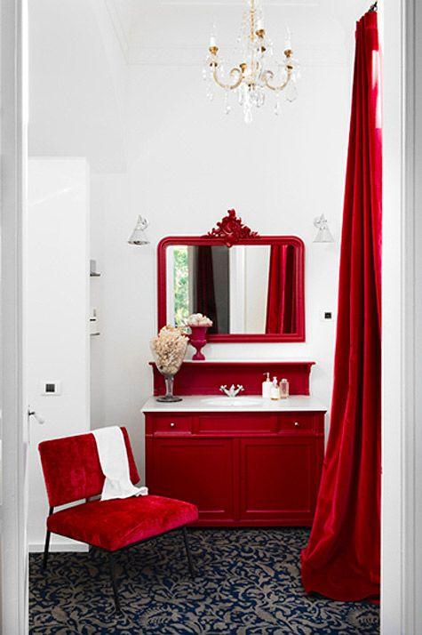 رنگ قرمز دیزاین