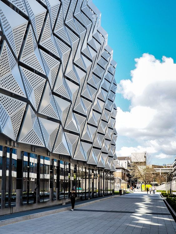 طراحی نمای ساختمان مدرن در کرج به روز
