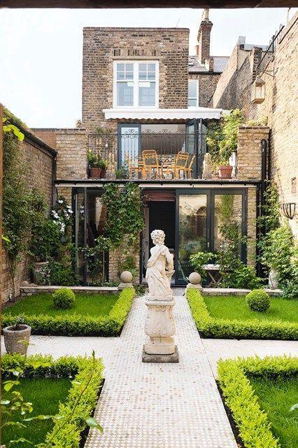 طراحی باغ ویلا و استخر | طراحی ویلا در کردان ، بازسازی آپارتمان در تهران و کرج ، استودیو طرح و ساخت تجویدی